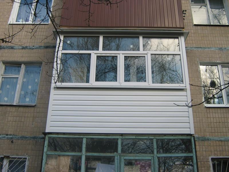 Балкон снаружи.